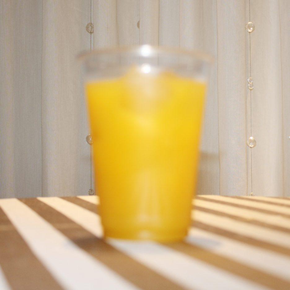 大阪会場-06 osaka   焼酎甲類をグラス1/3程度注ぐ 氷を2~3個入れる マンゴージュースを1/3程度注ぐ ジンジャーエールを適量 ソーダで満たして出来上がり。    焼酎:NIPPON マンゴージュース ジンジャーエール トニックウォーター