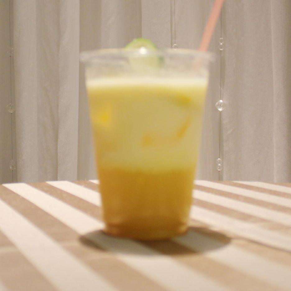 大阪会場-21 osaka   焼酎甲類をグラス1/3程度注ぐ 氷を2~3個入れる ミックスベリージュースを1/3程度注ぐ オレンジピュールリキュール、グリーンティーリキュールを適量注ぐ    焼酎:樹氷 グレープフルーツジュース ミックスベリージュース オレンジピュールリキュール グリーンティーリキュール
