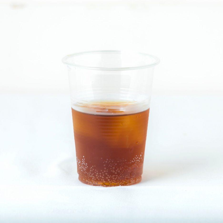 松山会場-26 matsuyama   焼酎甲類をグラス1/3程度注ぐ 氷を2~3個入れる アップルジュースを1/3程度注ぐ、 コーラで満たして出来上がり    焼酎:グランブルー アップルジュース コーラ